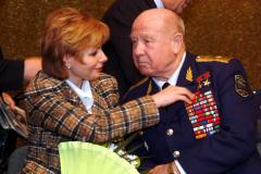 A.A.Leonov-s-Lenojj-Gagarinojj