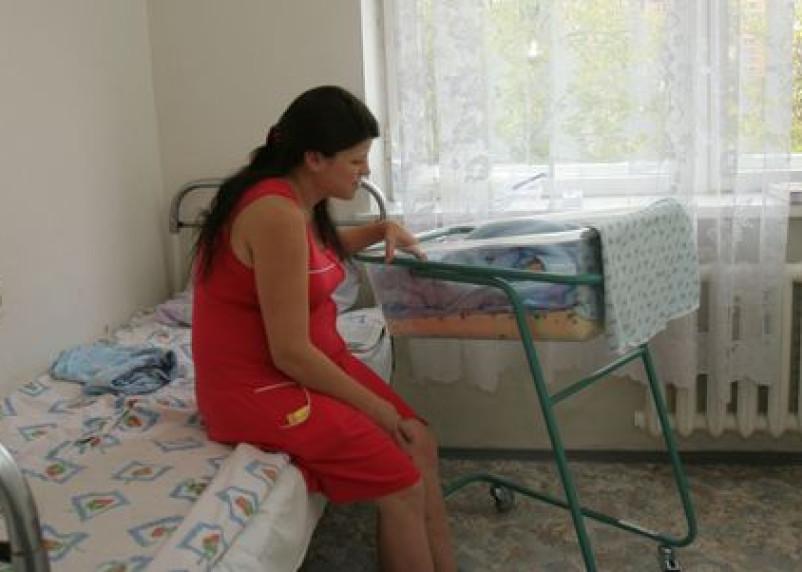 В октябре в Смоленске родилось более 300 малышей