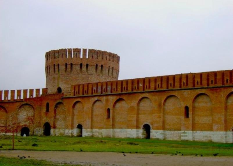 При реконструкции Смоленской крепостной стены погиб рабочий