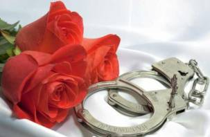В суд передано дело «цветочной» мошенницы
