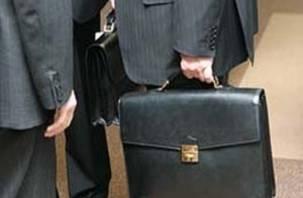 Смоленским чиновникам поднимут зарплату за счет сокращения штата