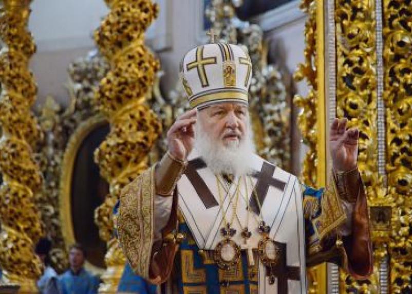 Патриарх Кирилл призвал отказаться от покупки «левых» свечей