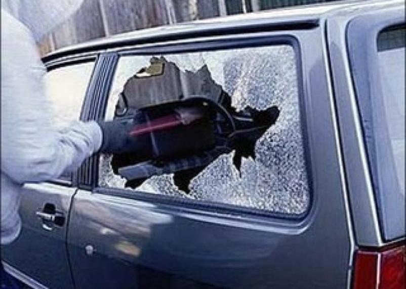 Смоленские полицейские задержали автомобильных грабителей