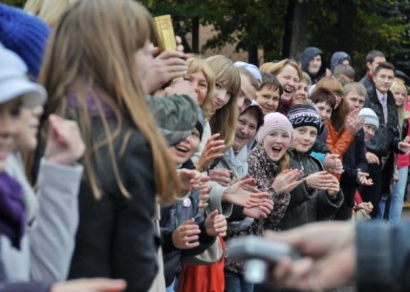 В Смоленске прошел флешмоб «Живая стена»