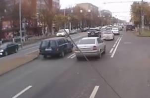 ДТП на улице Кирова попало в объектив видеорегистратора