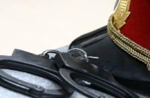 В Смоленске судят полицейского за превышение полномочий