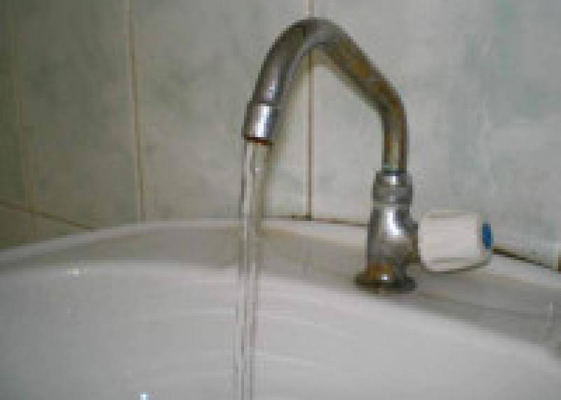 В крупнейшем спальном районе Смоленска отключат холодную воду