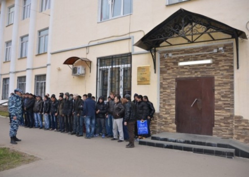 Смоленские полицейские сообщили подробности спецоперации на Колхозном рынке