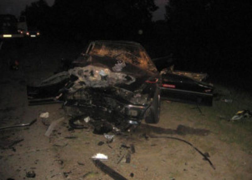 В лобовом столкновении на трассе М1 погибли три человека