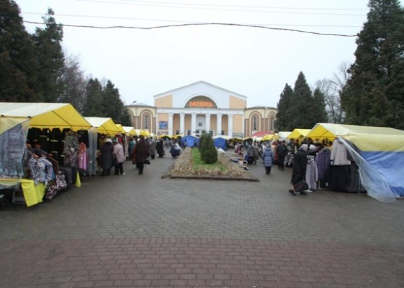 На площади Победы продают нижнее белье из Белоруссии