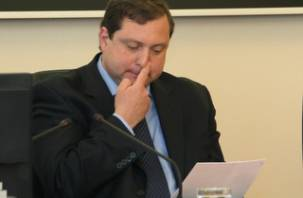 Губернатор Смоленской области расправляется с политическими оппонентами