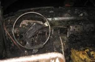 На улице Соколовского в Смоленске сгорел автомобиль