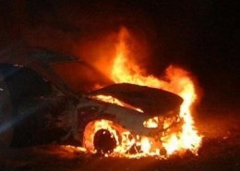 В Смоленске продолжают полыхать машины
