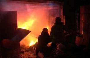 В Хиславичском районе сгорела пилорама