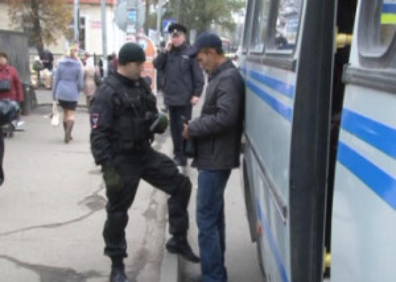 Рейд ОМОНа по нелегалам продолжился в Ярцево