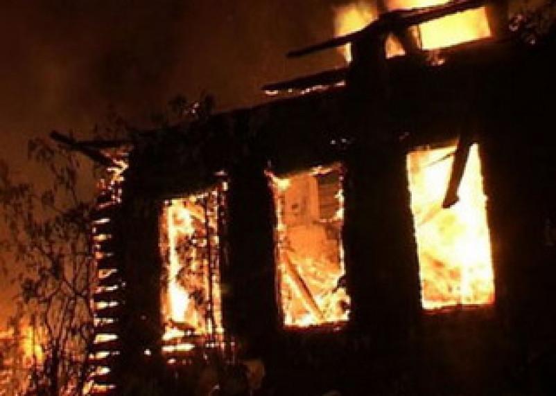 В Новодугинском районе пожар унес жизни пяти человек