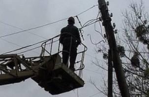 Шквальный ветер в Смоленской области оставил людей без света