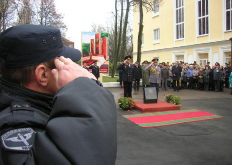 Память солдат правопорядка увековечат мемориалом