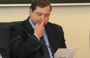 Губернатор Алексей Островский нарушил обет молчания