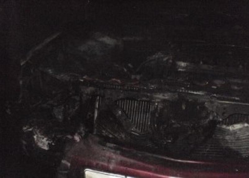 Ночью в Смоленске сгорел очередной автомобиль
