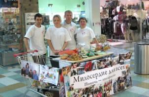 Смоленские добровольцы собирают рождественские подарки