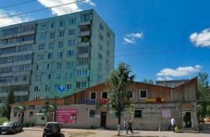 В Смоленске снесут незаконную пристройку к многоэтажке на улице Багратиона