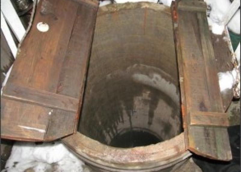 Тело жительницы поселка Кардымово обнаружено в колодце
