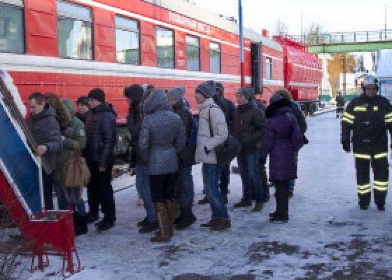 Студенты СГАФКСТ побывали на экскурсии на пожарном поезде