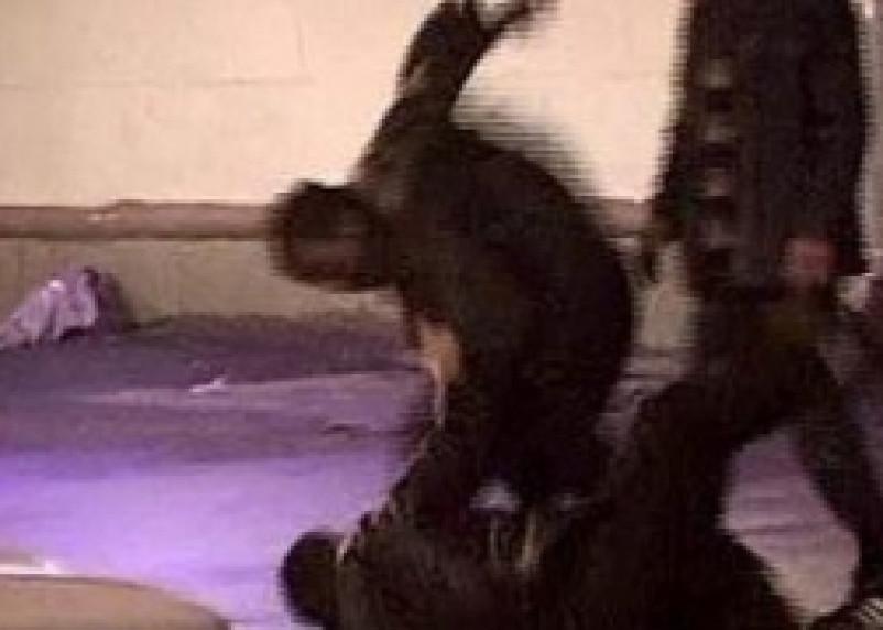 Полицейские, избившие депутата, предстанут перед судом
