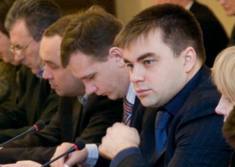 Алексей Казаков дал оценку действиям мэрии, решившей сэкономить на учителях