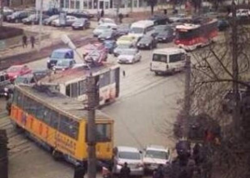 Очередной трамвай сошел с рельс в Смоленске