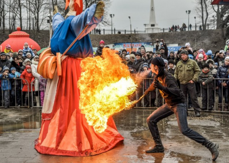 В Смоленске прошли масленичные гуляния
