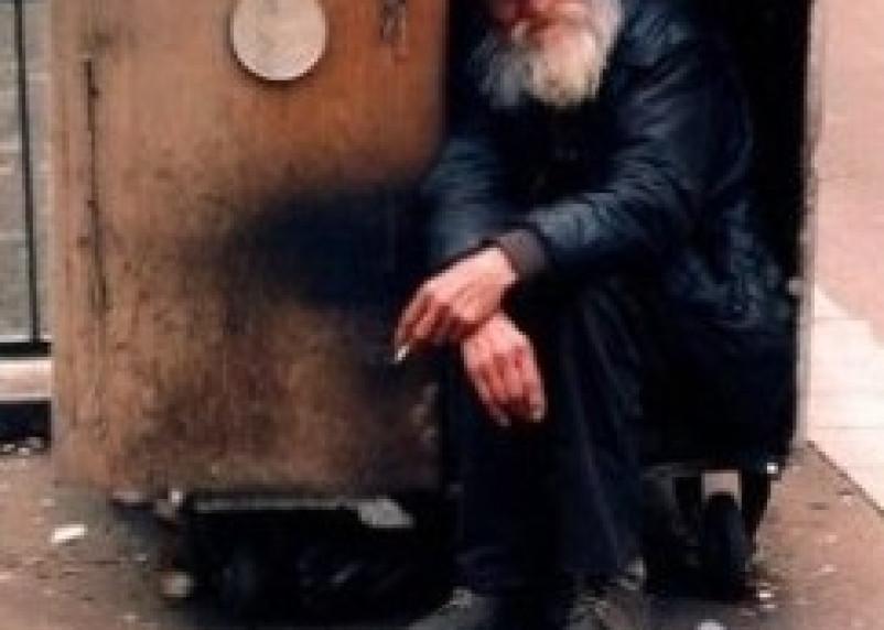 Сторожа стоянки в Смоленске, убившую бездомного, ждет колония