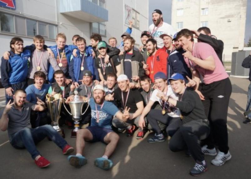 Клуб «Славутич» — чемпион российской хоккейной лиги