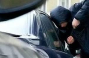 Смоленская супружеская пара помогла полиции задержать автоворов