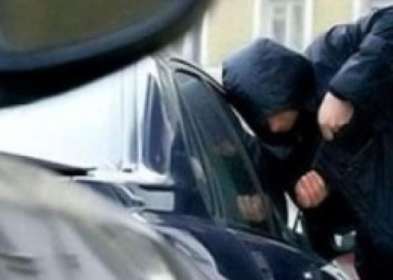 В Смоленске раскрыта серия краж из автомобилей