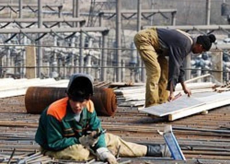 Смоленские предприятия незаконно принимают на работу граждан Таджикистана