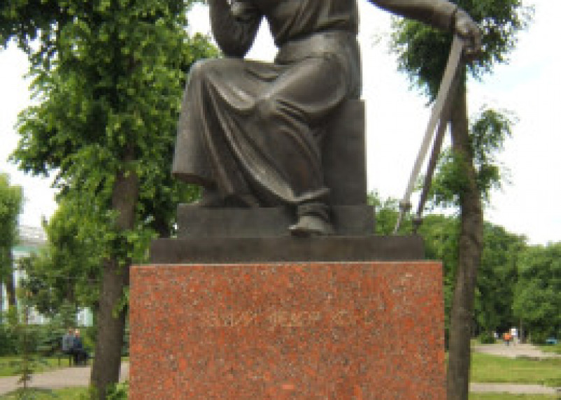 Смоленской полиции не понравились танцы у памятника Фёдору Коню