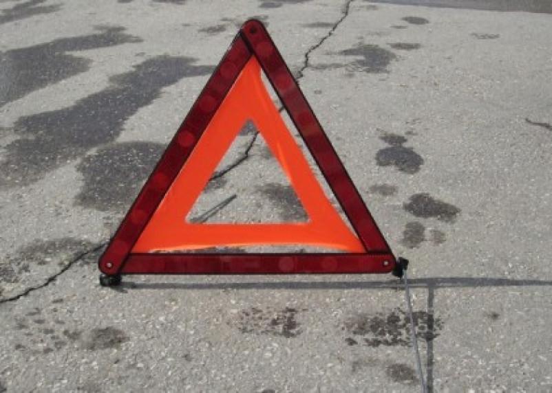 В Смоленской области машина с водителем опрокинулась в кювет