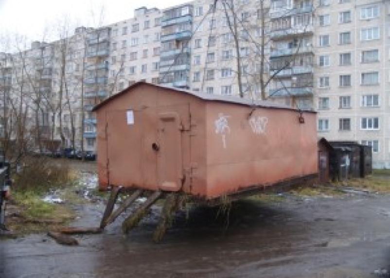 В Дорогобуже 18-летний парень украл гараж
