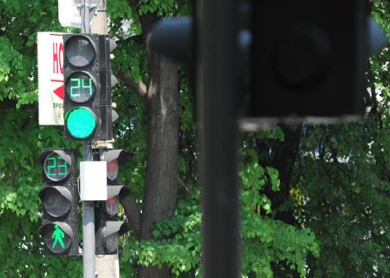 Шесть смоленских светофоров оборудованы для инвалидов