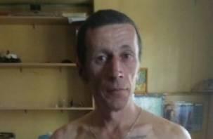 Ленинградская полиция просит помощи смолян в розыске очень опасного преступника