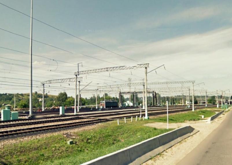 Погибший под колесами поезда смолянин переходил пути в неположенном месте