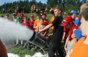 Смоленские пожарные побывали в гостях у «трудных» подростков