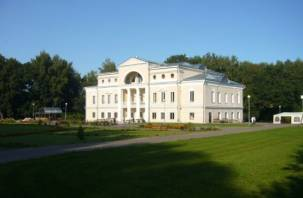 На набережную Днепра в Смоленске пришел «Лафер»