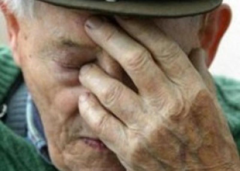 Мошенницы украли у смоленского пенсионера 200 тысяч рублей