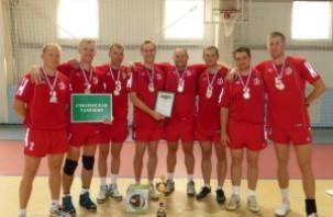 Смоленские таможенники — серебряные призеры соревнований ЦФО по волейболу