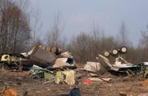 Возобновляется расследование падения польского самолета под Смоленском