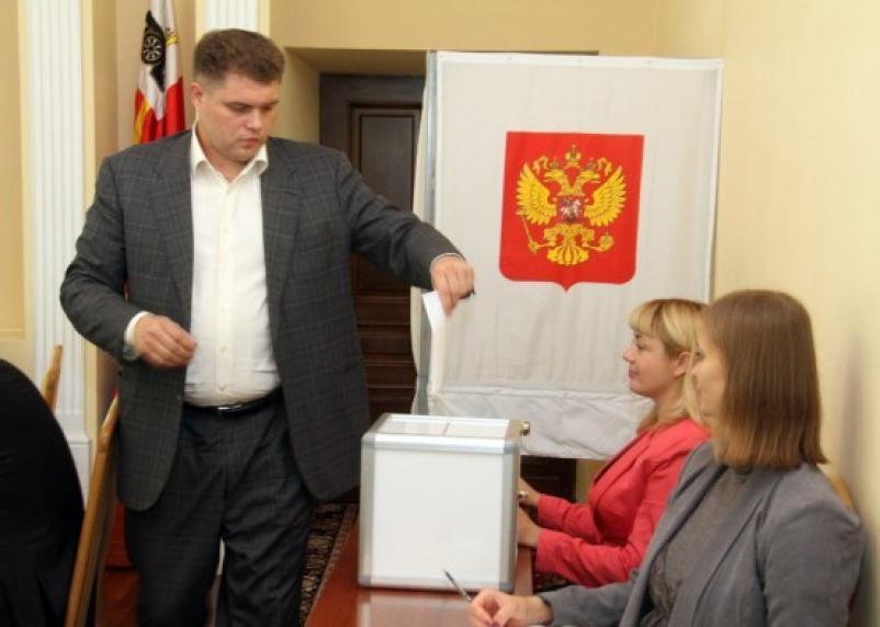 Депутаты Горсовета избрали двух Почетных граждан Смоленска