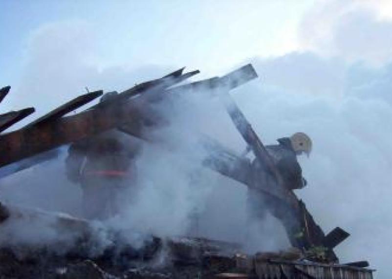 «Непобедимый» пожар на Автозаводской